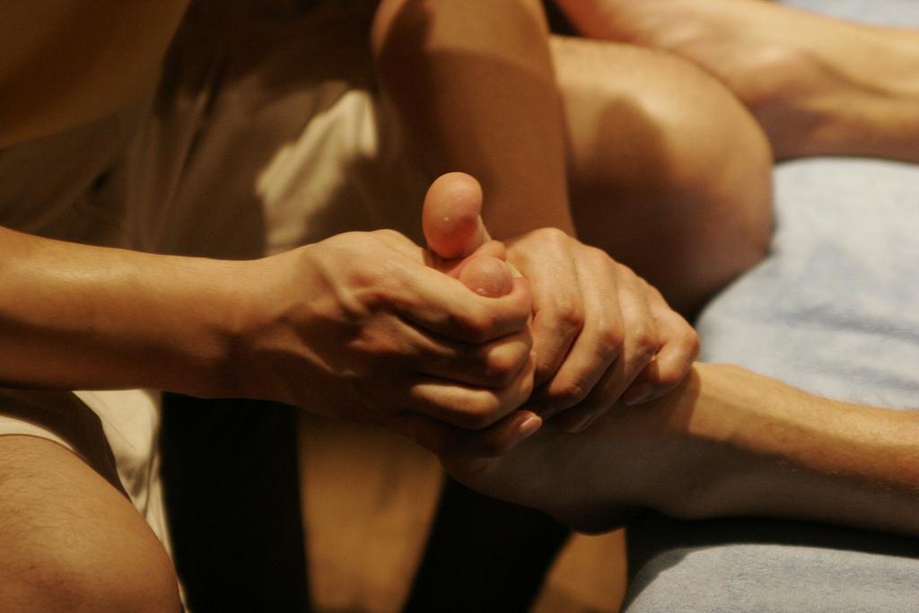 massage-pieds-centredemassotherapie-sommieres